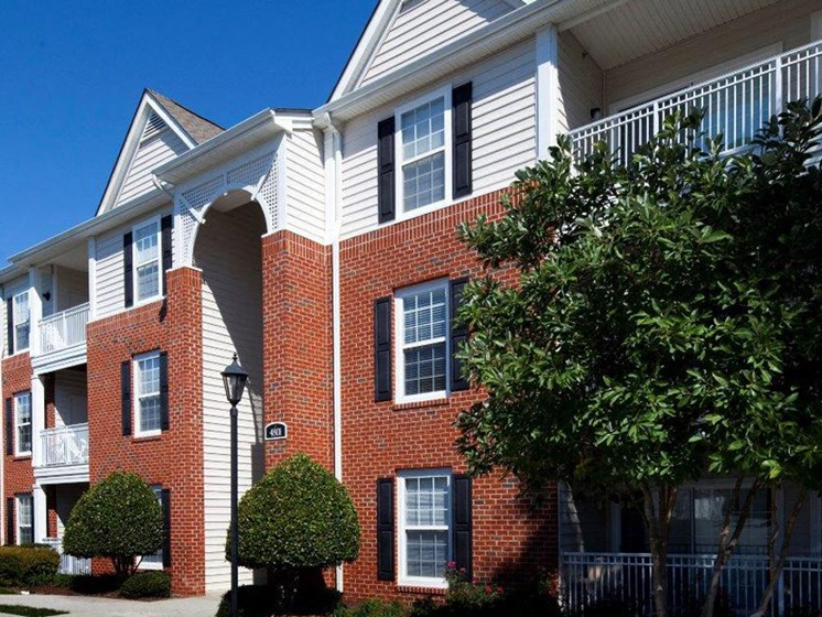 Exterior View Of Property at Abberly Twin Hickory Apartment Homes by HHHunt, Glen Allen, 23059