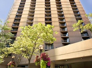 750 North Dearborn Studio-2 Beds Apartment for Rent Photo Gallery 1