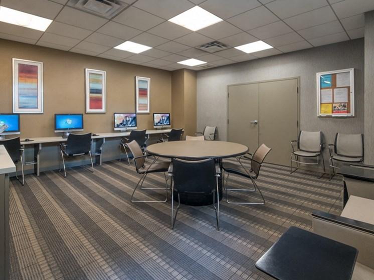 apartment business center chicago