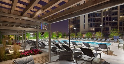 Pool Seating at Hubbard Place, Chicago, IL, 60654