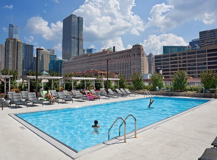 This luxury apartment has an extraordinary outdoor pool and sundeck in Chicago, IL.