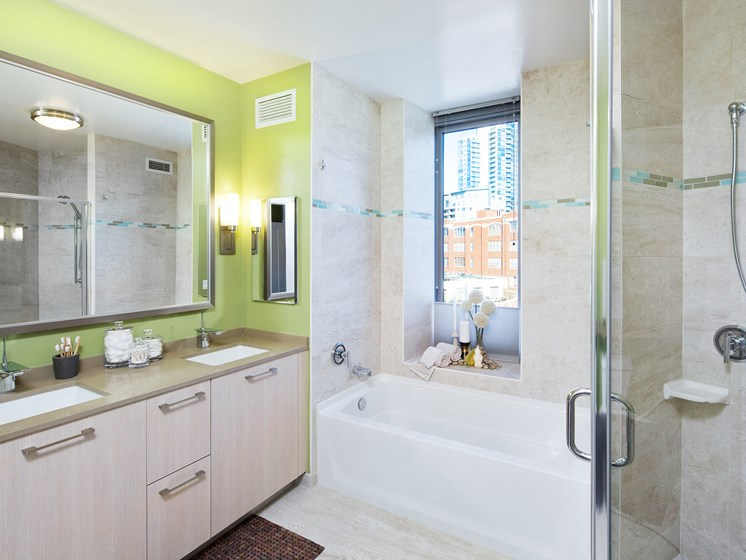 Spacious Bathrooms at Hubbard Place, Chicago, 60654