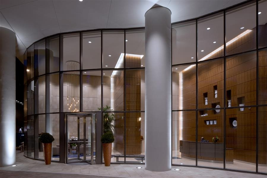 The grandeur lobby at Hubbard Place Chicago.