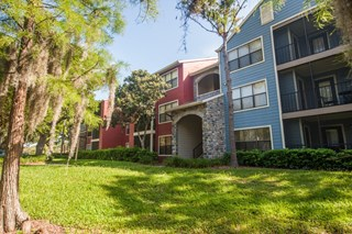 Grande Oasis is an apartment community located in 33614.