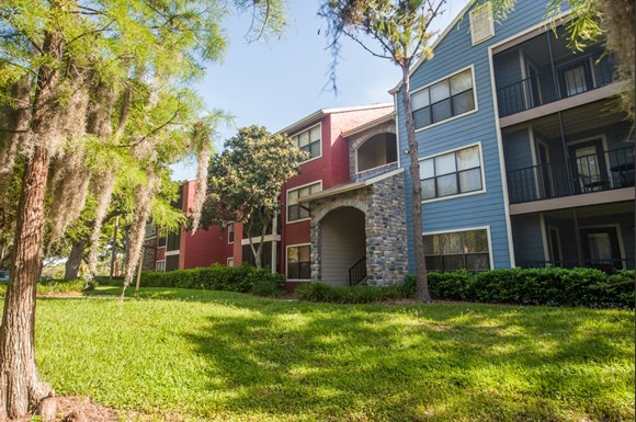 Welcome To Grande Oasis Is An Apartment Community Located In 33614