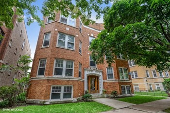 1455-57 W. Summerdale Ave. 2-3 Beds Apartment for Rent Photo Gallery 1