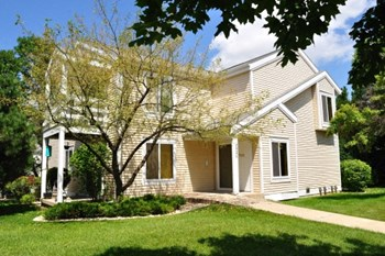 7510 Tree Ln 2 Beds Apartment for Rent Photo Gallery 1