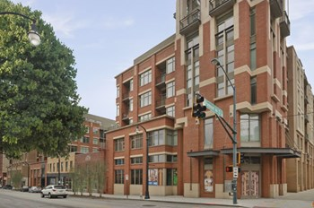 171 Auburn Ave NE 1-2 Beds Apartment for Rent Photo Gallery 1