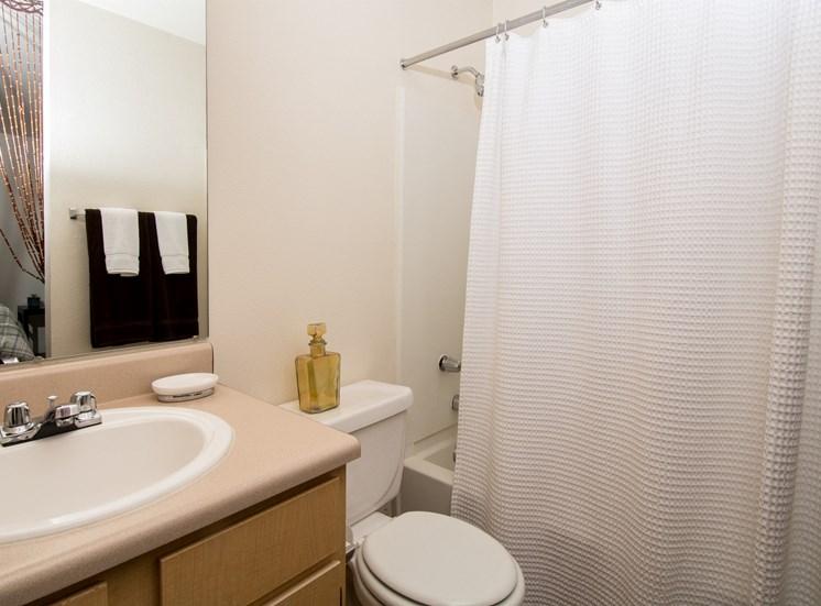 2 Bedroom Apartment En-Suite Bathroom