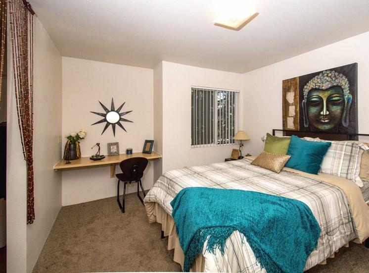 2 Bedroom Apartment Bedroom 1 with Built-In Desk