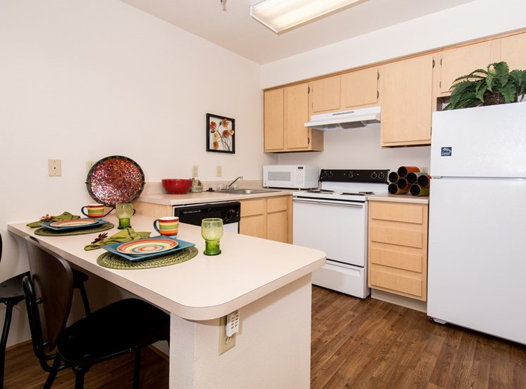 2 Bedroom Apartment Dining Area & Kitchen