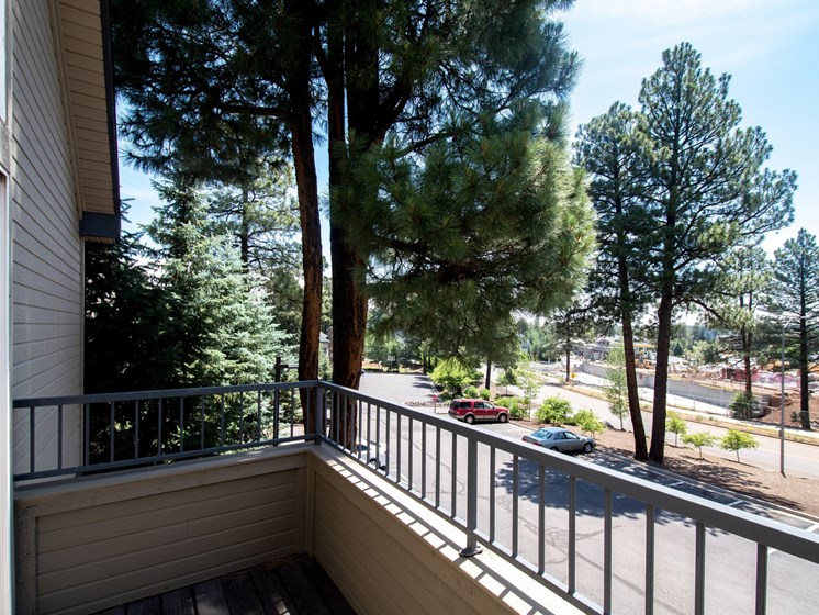 4 Bedroom Apartment Private Deck