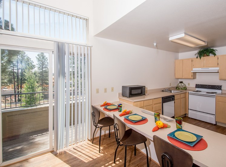 4 Bedroom Apartment Built-In Dining Area & Kitchen