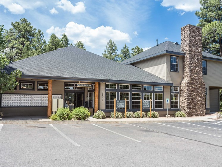 Highland Village Apartments Welcome Center & Clubhouse