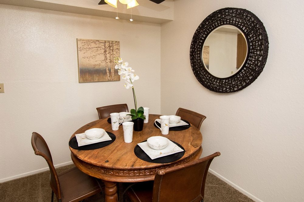 Dining Room at Country Club Vista Apartments, Flagstaff, Arizona