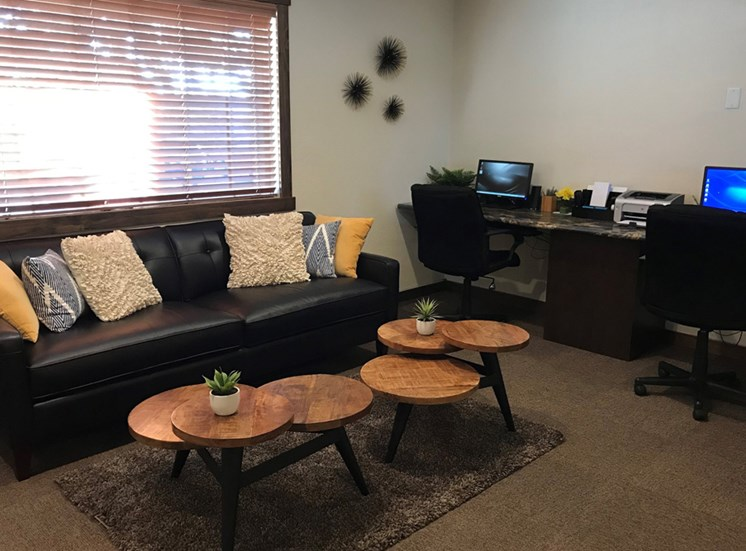 Resident Business Center and Lounge
