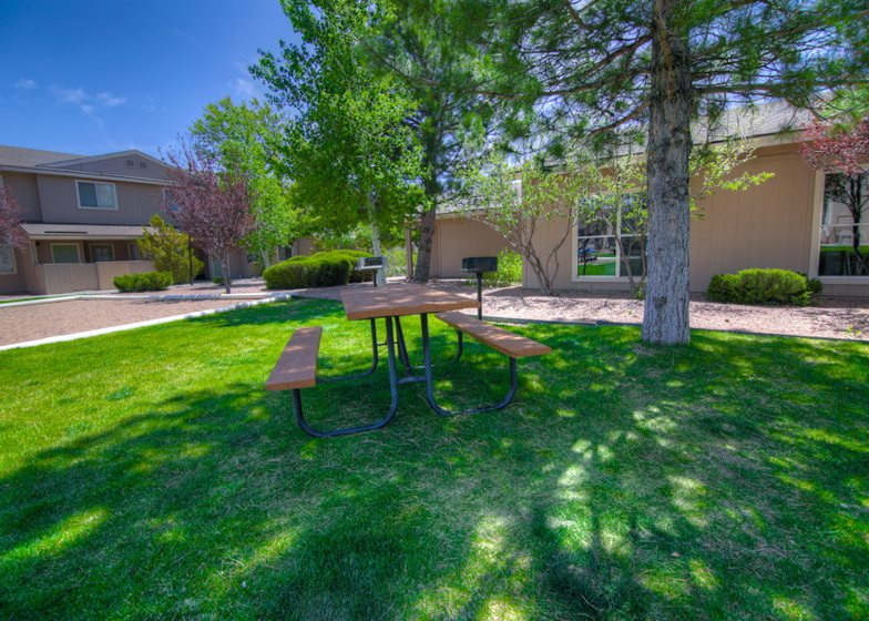 Outdoor Grills and Picnic Gazebos at Country Club Terrace Apartments, Flagstaff, AZ, 86004