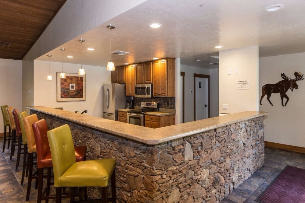 at Country Club Terrace Apartments, 5404 East Cortland Blvd, Flagstaff, Arizona