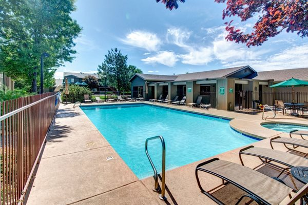 Swimming Pool and Hot Tub at Country Club Terrace Apartments, Flagstaff, AZ