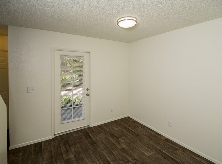 2 Bedroom Townhouse Dining Room