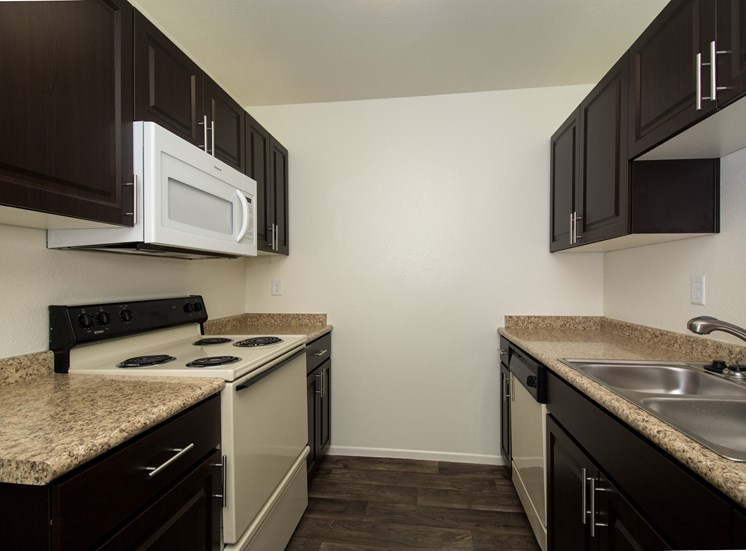 2 Bedroom Townhouse Kitchen