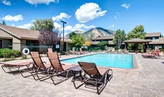 Apartments in East Flagstaff | Country Club Meadows | Poolside