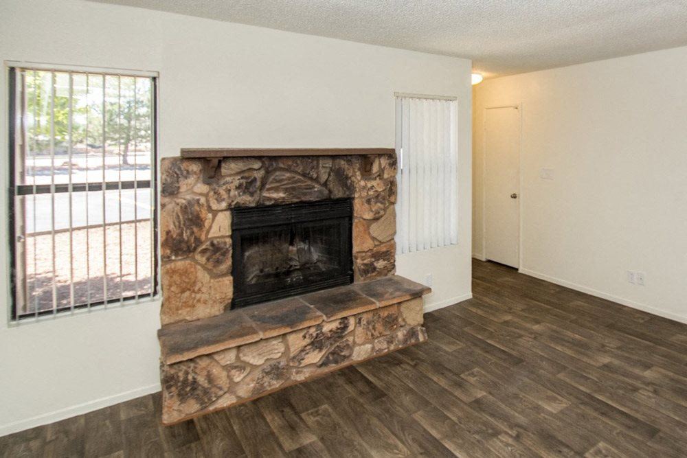 living room at Country Club Meadows Apartments in Flagstaff, AZ