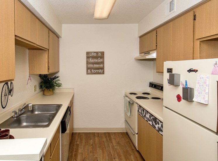 2 Bed 1 Bath Apartment Full Kitchen