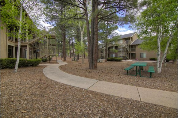 Woodlands Village Apartments Flagstaff