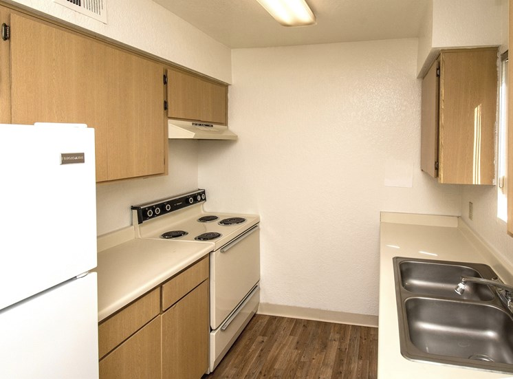Woodlands Village 1 Bedroom Apartment Kitchen