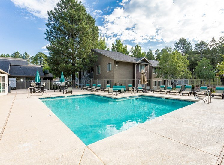 Woodlands Village Apartment Homes Swimming Pool