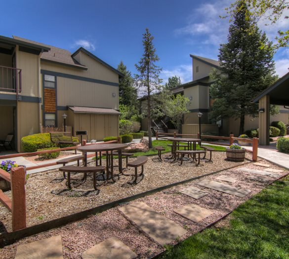 Beautiful Landscaping and Park-like Setting at University Square Apartments, Flagstaff, AZ, 86001