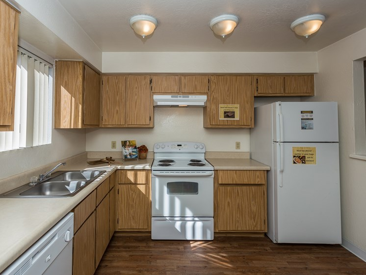 2 Bedroom Apartment Home Kitchen University Square Apartments
