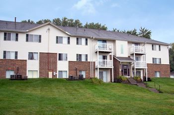 1215 Fawn Parkway Plaza 1-3 Beds Apartment for Rent Photo Gallery 1