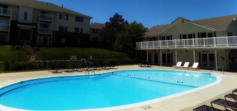 Large Pool and Sundeck at Pacific Winds Apartments Omaha
