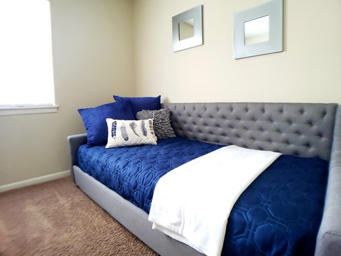 Cozy Second Bedroom in Pacific Winds Apartments Omaha