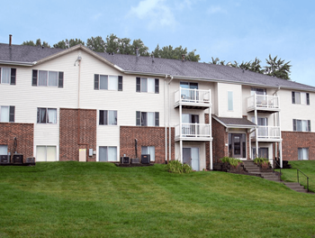 1215 Fawn Parkway Plaza 1 Bed Apartment for Rent Photo Gallery 1