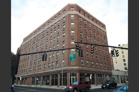 Groovy Golden Hill Apartments 144 Golden Hill Street Bridgeport Interior Design Ideas Pimpapslepicentreinfo