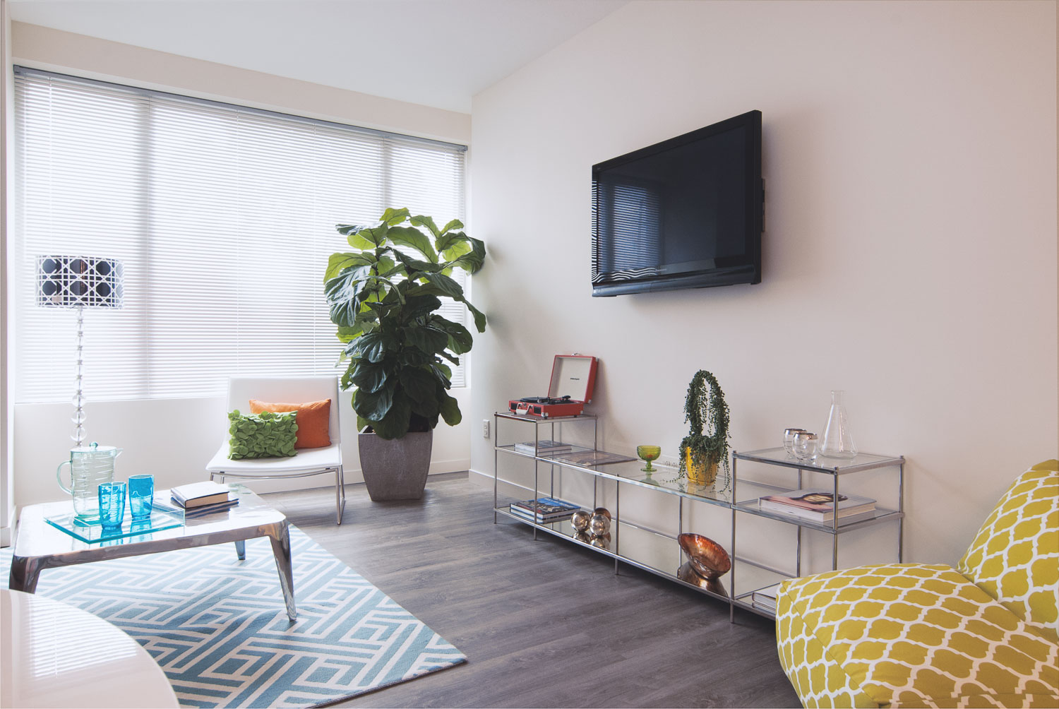 Living area at Innova Apartments in University Circle