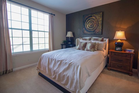 Overlook at Gwinnett Stadium model guest bedroom
