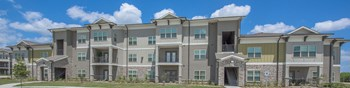 301 Augusta Dr 1-2 Beds Apartment for Rent Photo Gallery 1