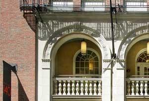 140 Clarendon St. Studio Apartment for Rent Photo Gallery 1