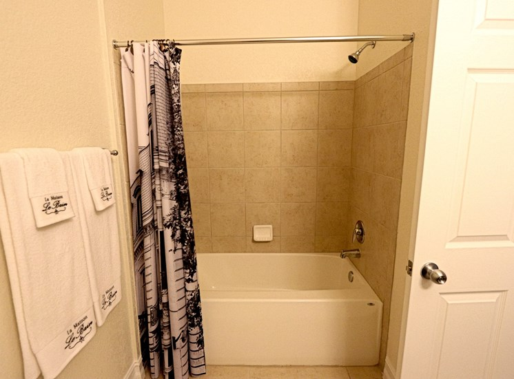 Glen Interior Bathroom