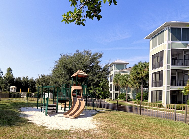 Glen Clubhouse Playground