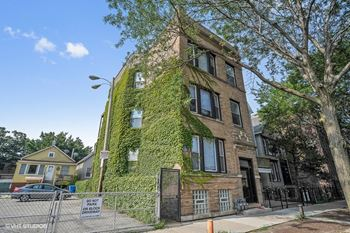 1143 W. Waveland Ave. Studio-4 Beds Apartment for Rent Photo Gallery 1