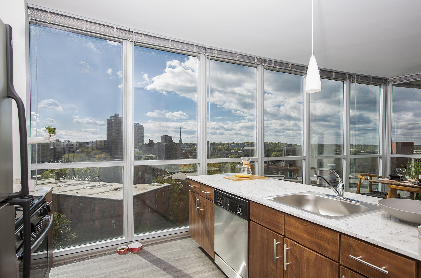 Bon A Luxurious Kitchen In LPM Apartments With A Sweeping View Of Downtown  Minneapolis.