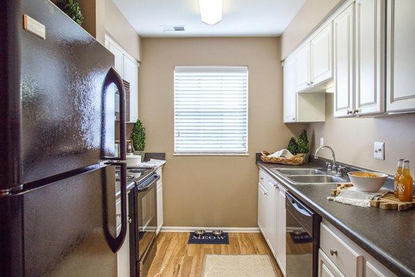 Quail Run Apartments in Zionsville, IN Big 4 Rail TrailQuail Run Apartments in Zionsville, IN Big 4 Rail TrailQuail Run Apartments in Zionsville, IN Big 4 Rail TrailQuail Run Apartments in Zionsville,