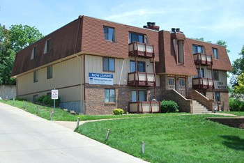 1524 McCain Ln. 2 Beds Apartment for Rent Photo Gallery 1