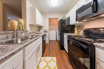 1800 Barrett Lakes Blvd NW 1-3 Beds Apartment for Rent Photo Gallery 1