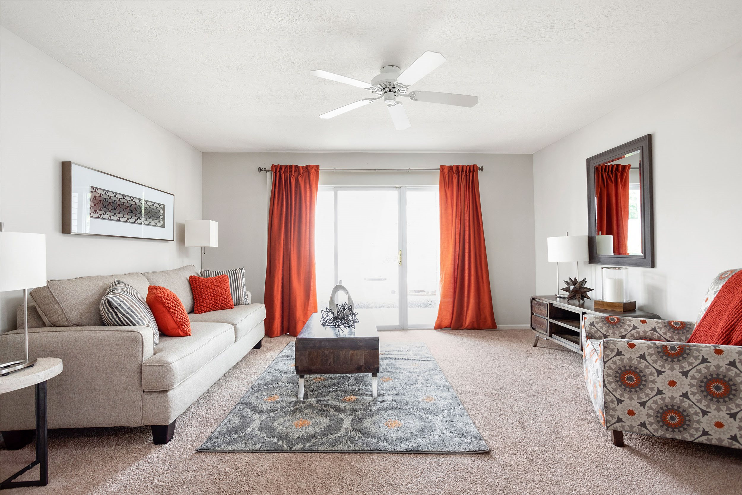 Spacious Living Room - Bennington Pond Apartments